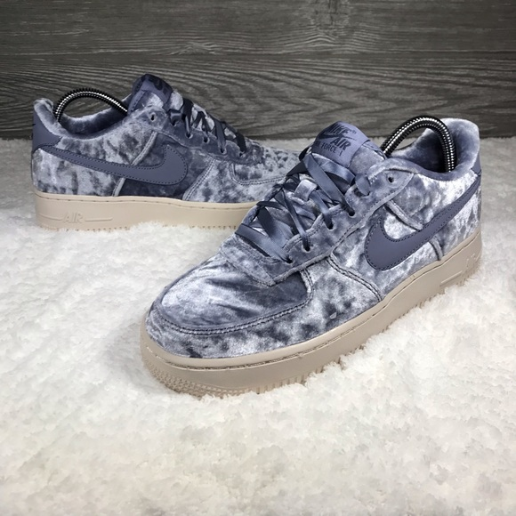 separation shoes bea74 71935 NEW Nike Air Force 1 LV8 Gs - Size 7